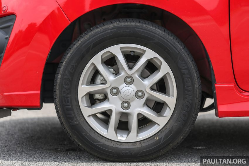 兄弟阋墙: Perodua Bezza vs Axia, Sedan对Hatchback! Image #5919