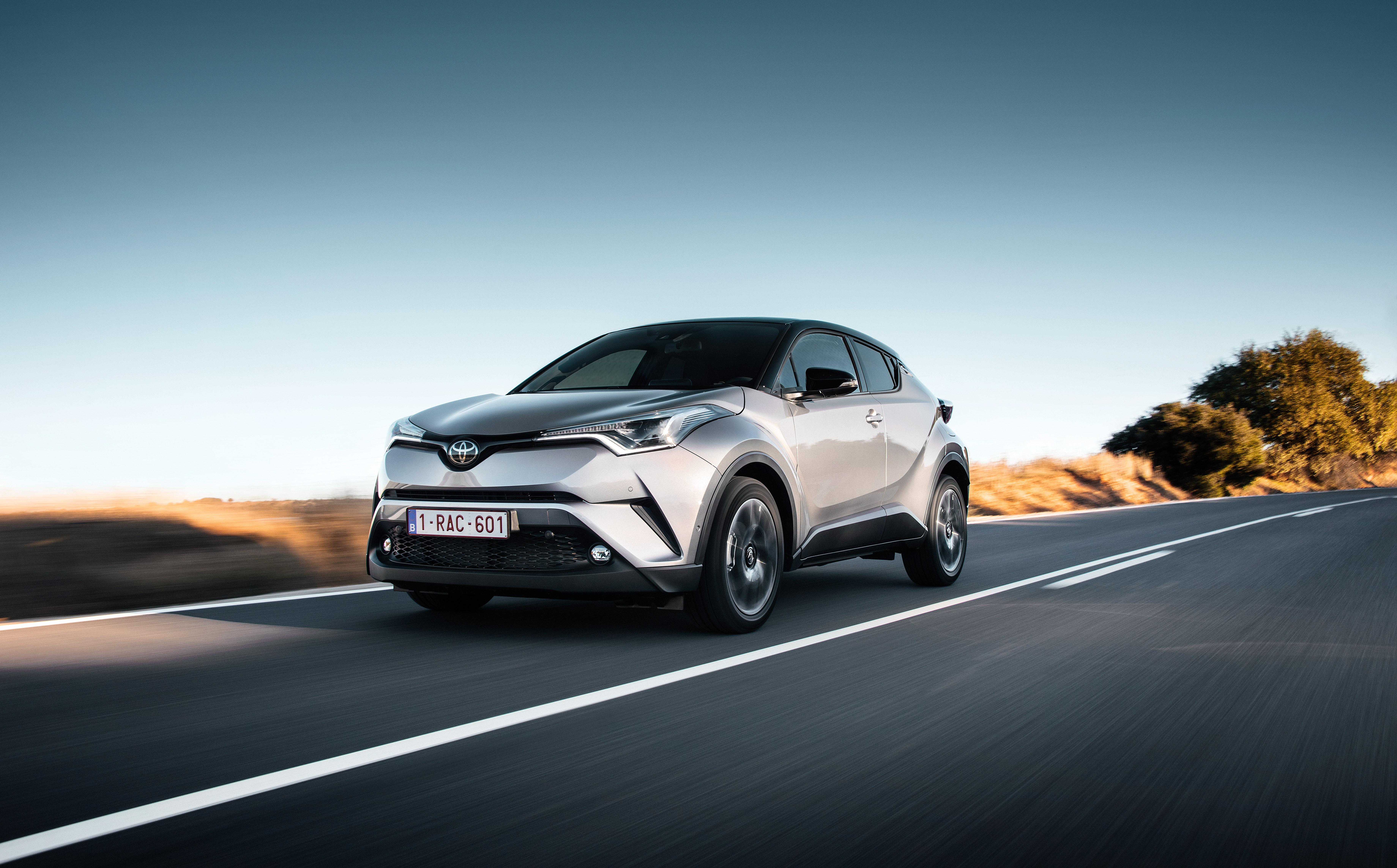 原厂发布更多 Toyota C Hr 实车宣传照,安全配备丰富! 2016 Toyota C Hr 1 2