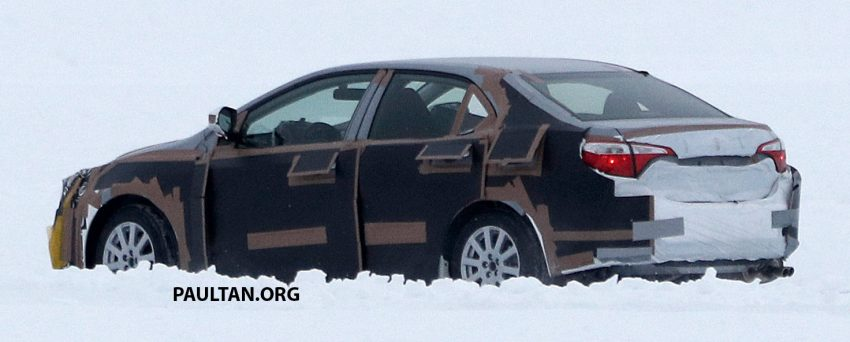 全新 Toyota Corolla 积极开发,国外雪地测试谍照曝光。 Toyota Corolla 007