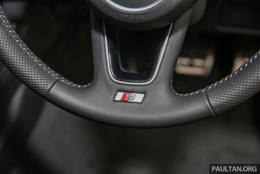 新车图集:全新 Audi A4 1.4 TFSI 与 2.0 TFSI Quattro。 Image #25335