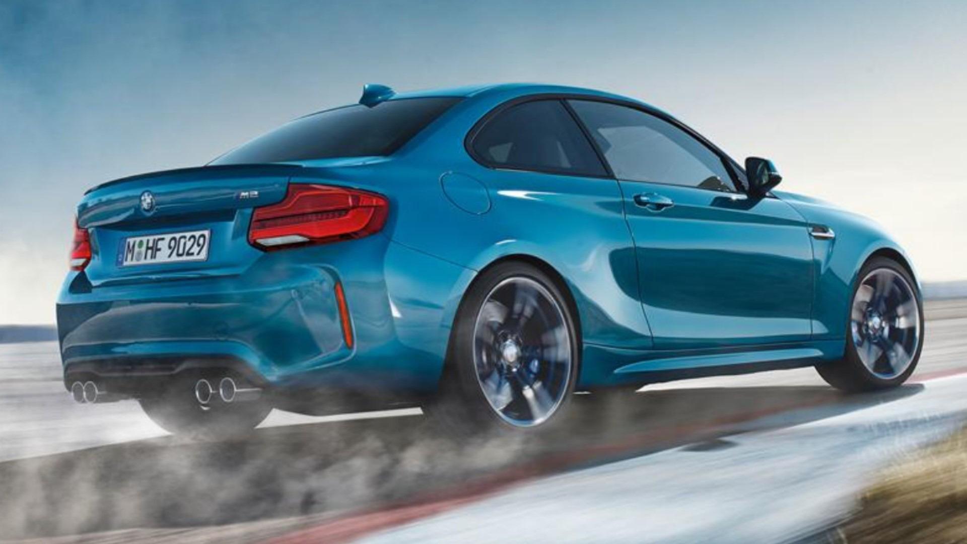 原厂释出 Bmw M2 预览图,变化极微,新头尾灯组设计。 2018 Bmw M2 Facelift 2