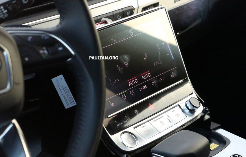 全新 Audi Q8 纽柏林测试谍照曝光,无窗框双荧幕设计! Image #31328