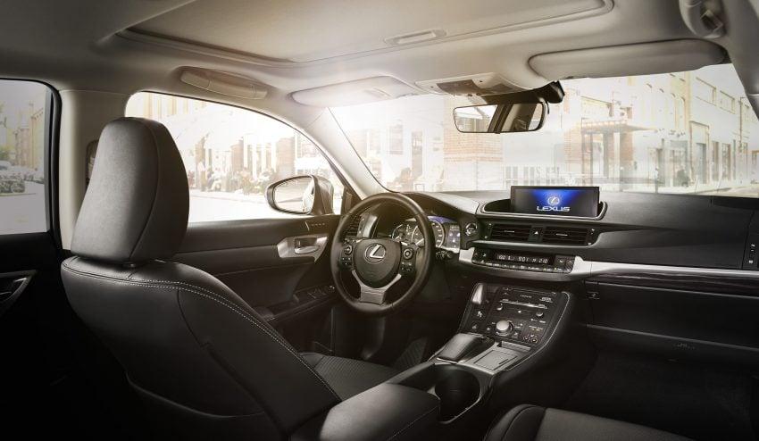 Lexus CT 200h 再次小改款,主被动安全配备更丰富。 Image #33019