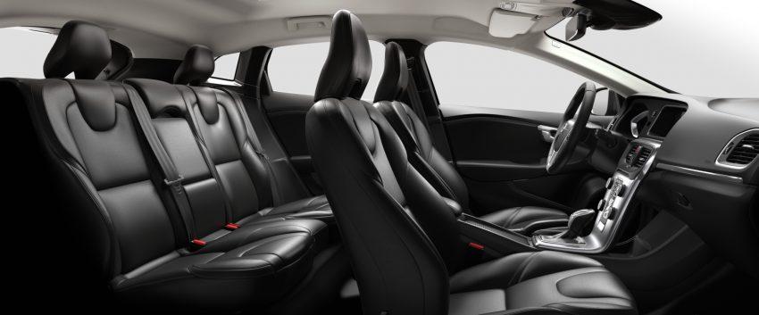 2017 Volvo V40 小改款本地面市, 价格不变, 售18万令吉。 Image #33280