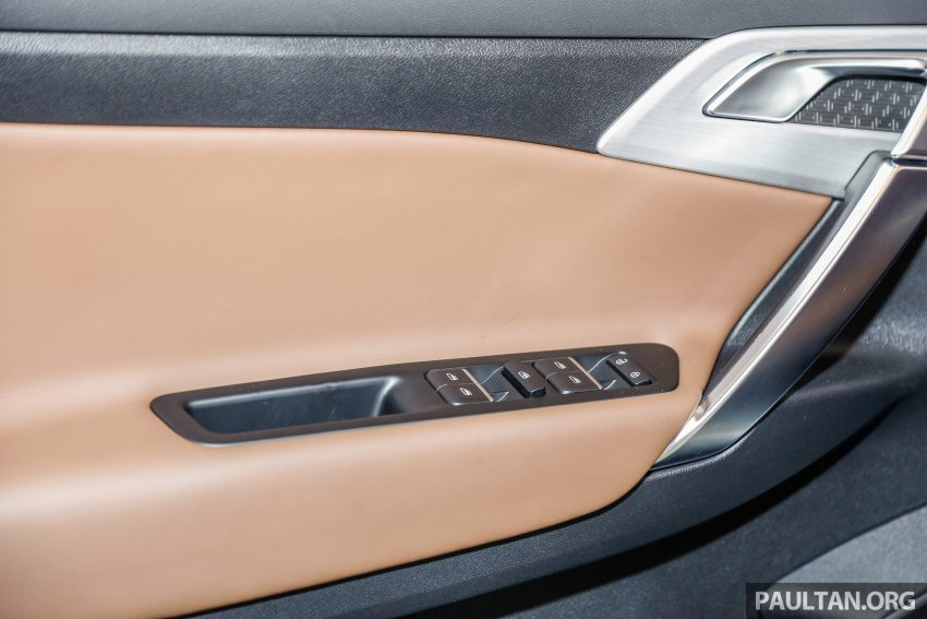 DRB-Hicom 与吉利签约现场,吉利博越 SUV 公开展示。 Image #33970
