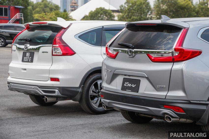 汽车图集:Honda CR-V 四代和五代新旧车型外观对比。 Image #33078