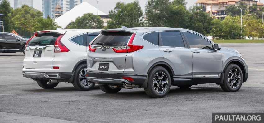 汽车图集:Honda CR-V 四代和五代新旧车型外观对比。 Image #33080