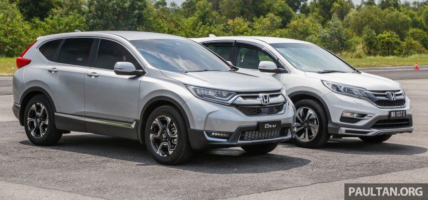 汽车图集:Honda CR-V 四代和五代新旧车型外观对比。 Image #33068