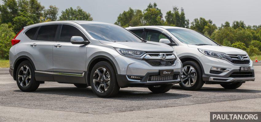 汽车图集:Honda CR-V 四代和五代新旧车型外观对比。 Image #33069