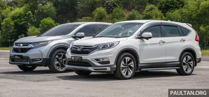 汽车图集:Honda CR-V 四代和五代新旧车型外观对比。 Image #33071