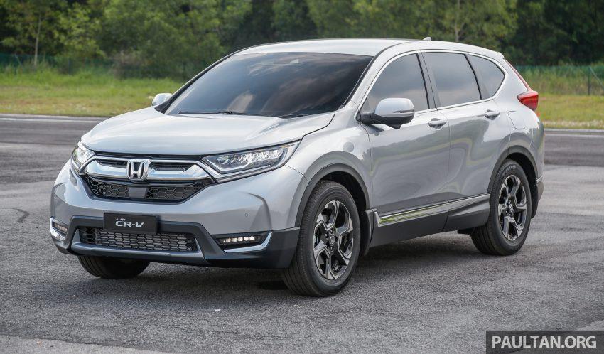 汽车图集:Honda CR-V 四代和五代新旧车型外观对比。 Image #33026