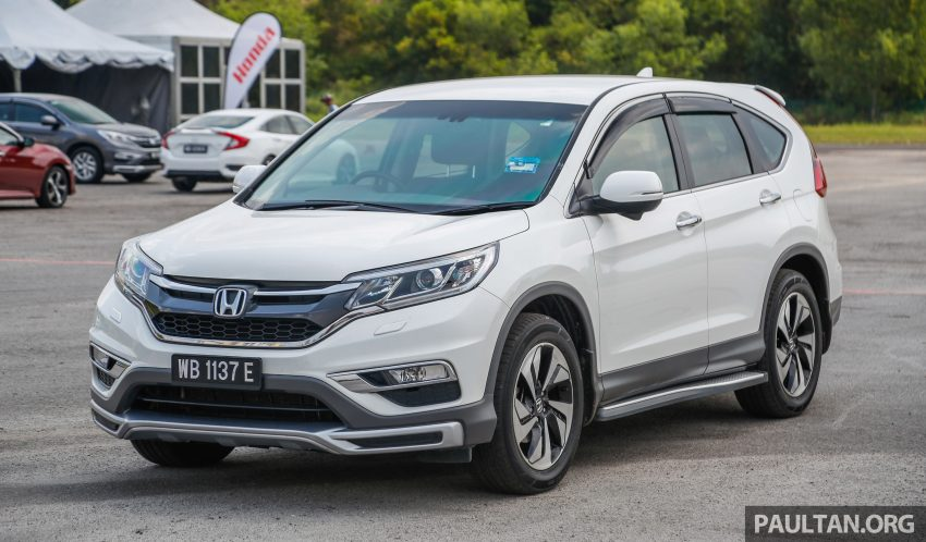汽车图集:Honda CR-V 四代和五代新旧车型外观对比。 Image #33037