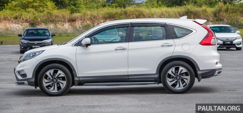 汽车图集:Honda CR-V 四代和五代新旧车型外观对比。 Image #33042