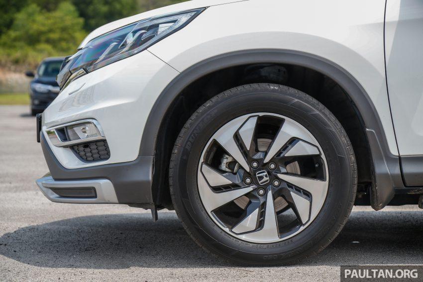 汽车图集:Honda CR-V 四代和五代新旧车型外观对比。 Image #33044