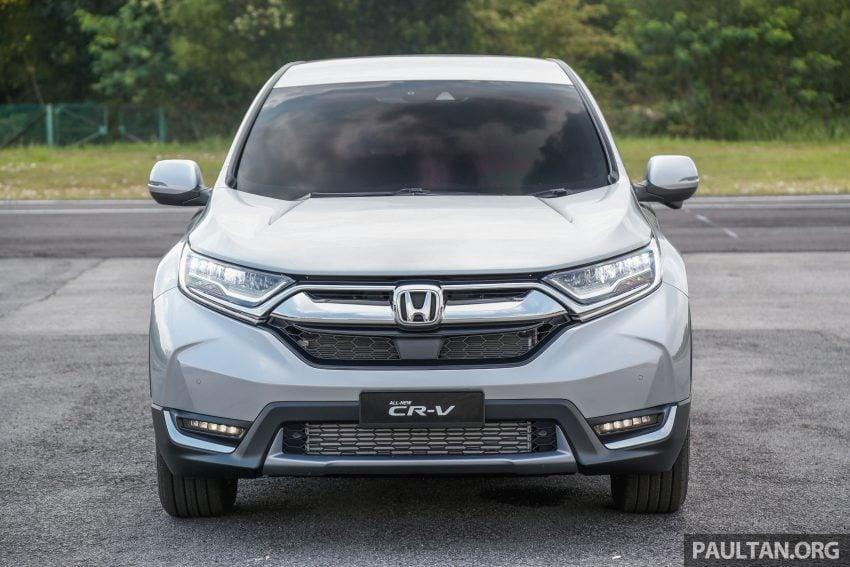 汽车图集:Honda CR-V 四代和五代新旧车型外观对比。 Image #33029
