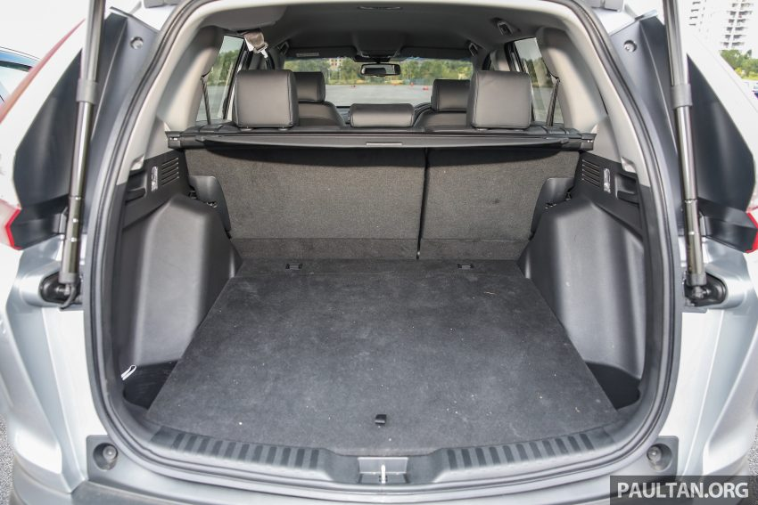 汽车图集:Honda CR-V 四代和五代新旧车型外观对比。 Image #33056