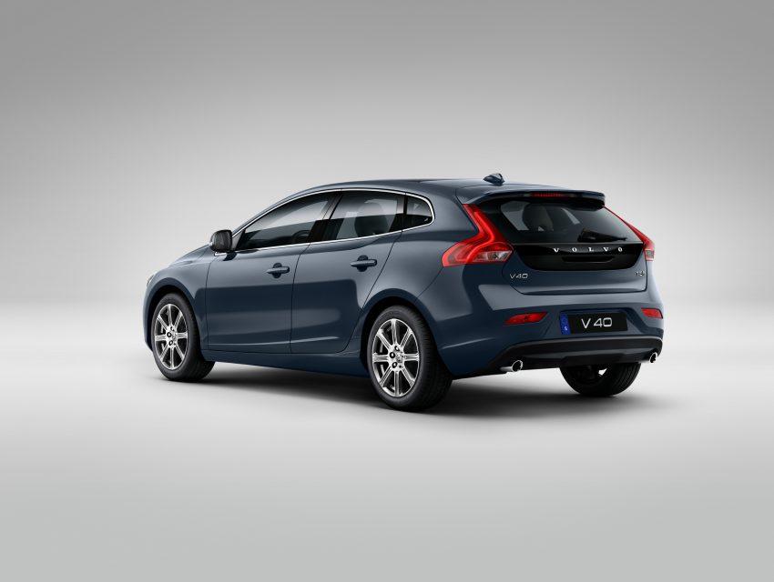 2017 Volvo V40 小改款本地面市, 价格不变, 售18万令吉。 Image #33270