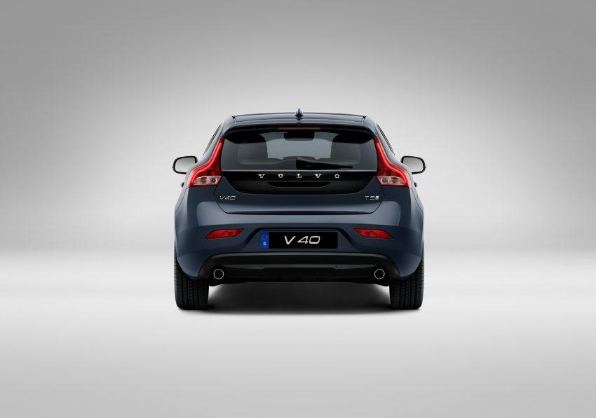 2017 Volvo V40 小改款本地面市, 价格不变, 售18万令吉。 Image #33272