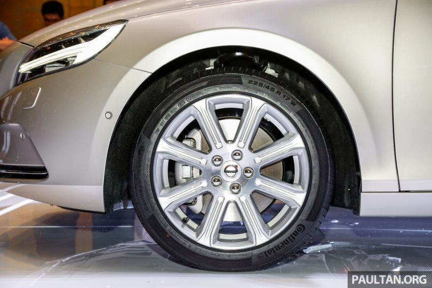 2017 Volvo V40 小改款本地面市, 价格不变, 售18万令吉。 Image #33309