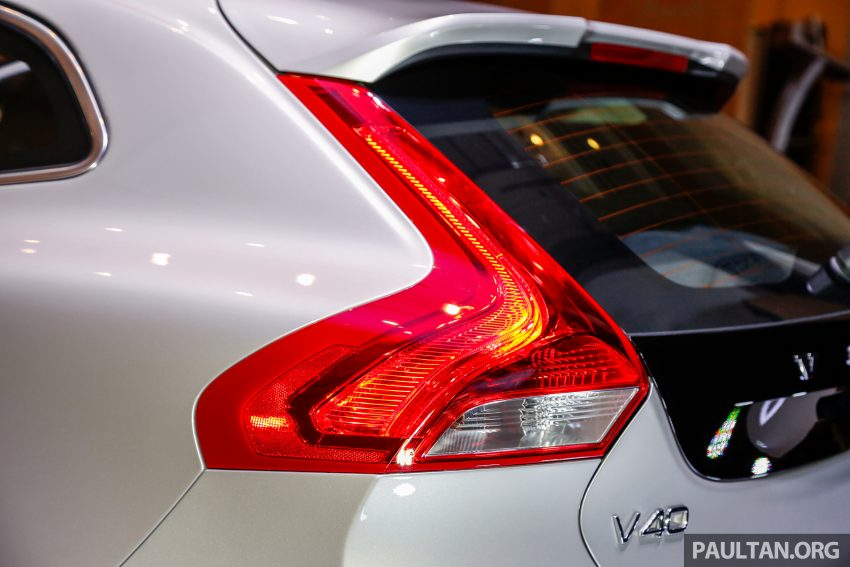 2017 Volvo V40 小改款本地面市, 价格不变, 售18万令吉。 Image #33316