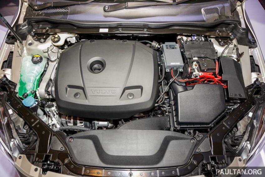 2017 Volvo V40 小改款本地面市, 价格不变, 售18万令吉。 Image #33321