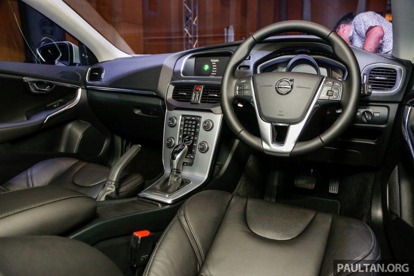 2017 Volvo V40 小改款本地面市, 价格不变, 售18万令吉。 Image #33335