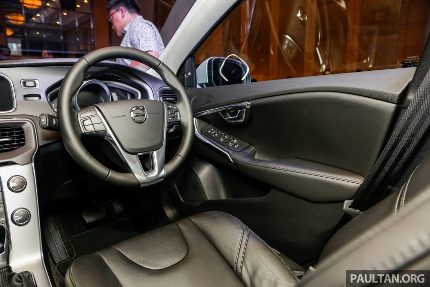 2017 Volvo V40 小改款本地面市, 价格不变, 售18万令吉。 Image #33336