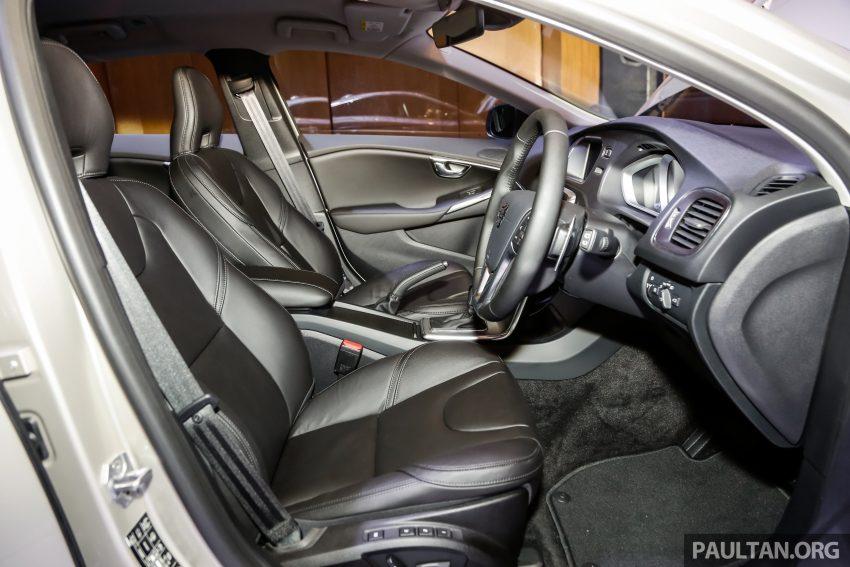 2017 Volvo V40 小改款本地面市, 价格不变, 售18万令吉。 Image #33338
