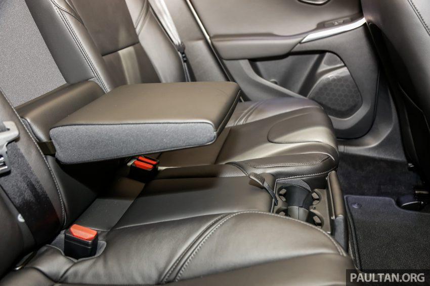 2017 Volvo V40 小改款本地面市, 价格不变, 售18万令吉。 Image #33348