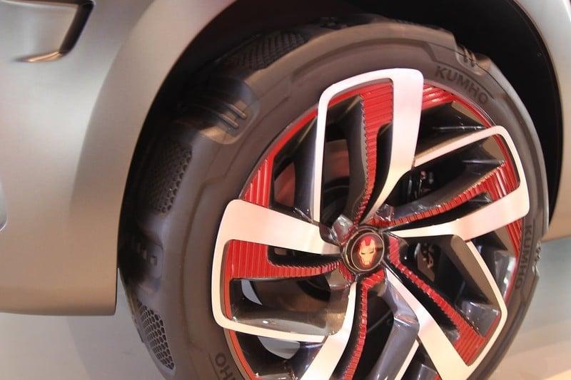 Hyundai与Marvel合作, 推出 Kona Iron Man 特别版车型。 Image #33245