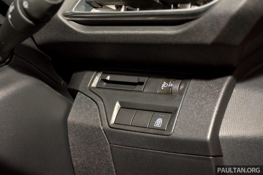 欧洲年度风云车, 2017 Peugeot 3008 亮相展销厅, 1.6升涡轮引擎, 165匹马力, 两个等级可选, 售价从RM 143K起。 Image #38888