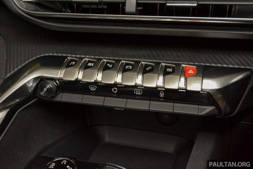 欧洲年度风云车, 2017 Peugeot 3008 亮相展销厅, 1.6升涡轮引擎, 165匹马力, 两个等级可选, 售价从RM 143K起。 Image #38906