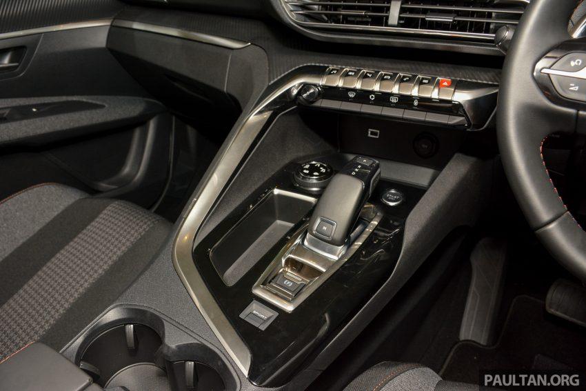 欧洲年度风云车, 2017 Peugeot 3008 亮相展销厅, 1.6升涡轮引擎, 165匹马力, 两个等级可选, 售价从RM 143K起。 Image #38907