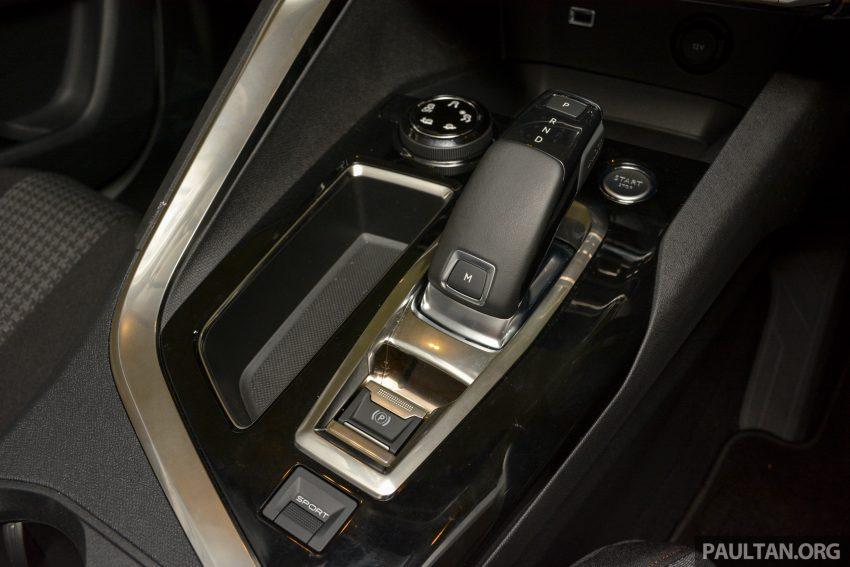 欧洲年度风云车, 2017 Peugeot 3008 亮相展销厅, 1.6升涡轮引擎, 165匹马力, 两个等级可选, 售价从RM 143K起。 Image #38910