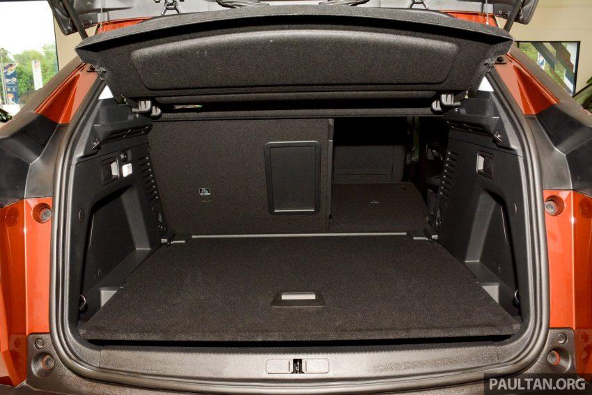 欧洲年度风云车, 2017 Peugeot 3008 亮相展销厅, 1.6升涡轮引擎, 165匹马力, 两个等级可选, 售价从RM 143K起。 Image #38921