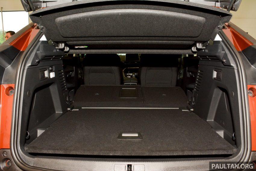 欧洲年度风云车, 2017 Peugeot 3008 亮相展销厅, 1.6升涡轮引擎, 165匹马力, 两个等级可选, 售价从RM 143K起。 Image #38922