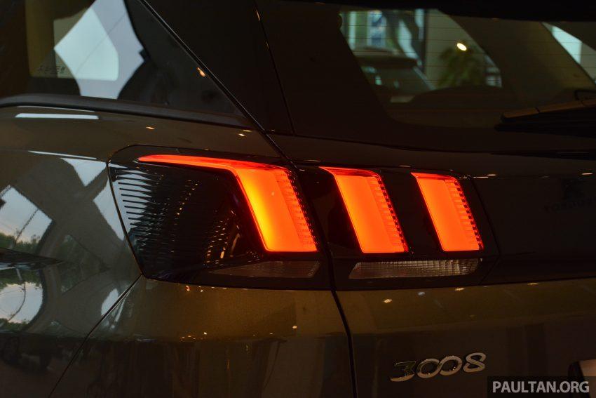 欧洲年度风云车, 2017 Peugeot 3008 亮相展销厅, 1.6升涡轮引擎, 165匹马力, 两个等级可选, 售价从RM 143K起。 Image #38830