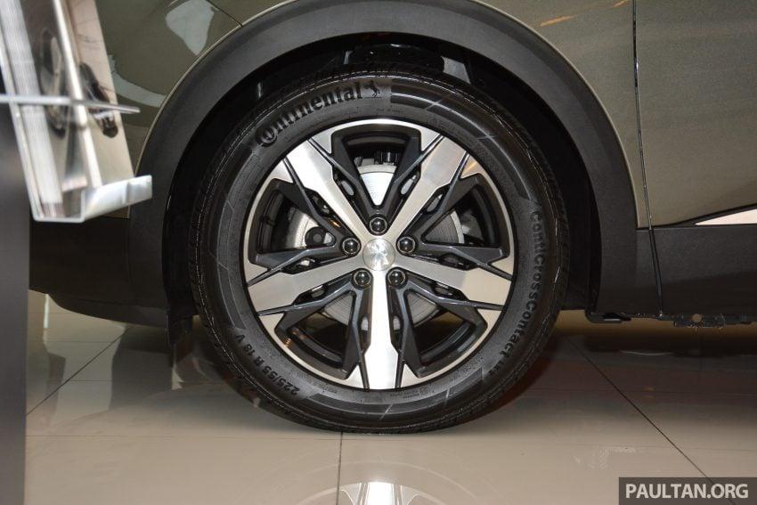 欧洲年度风云车, 2017 Peugeot 3008 亮相展销厅, 1.6升涡轮引擎, 165匹马力, 两个等级可选, 售价从RM 143K起。 Image #38835