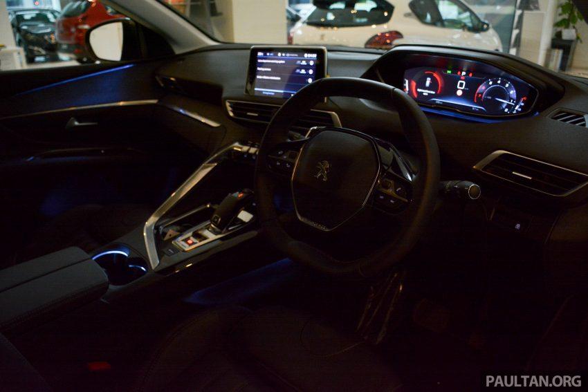 欧洲年度风云车, 2017 Peugeot 3008 亮相展销厅, 1.6升涡轮引擎, 165匹马力, 两个等级可选, 售价从RM 143K起。 Image #38838