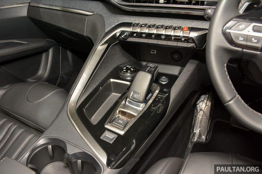 欧洲年度风云车, 2017 Peugeot 3008 亮相展销厅, 1.6升涡轮引擎, 165匹马力, 两个等级可选, 售价从RM 143K起。 Image #38843