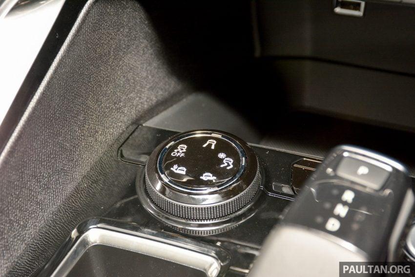 欧洲年度风云车, 2017 Peugeot 3008 亮相展销厅, 1.6升涡轮引擎, 165匹马力, 两个等级可选, 售价从RM 143K起。 Image #38845