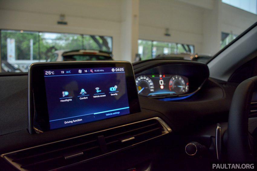 欧洲年度风云车, 2017 Peugeot 3008 亮相展销厅, 1.6升涡轮引擎, 165匹马力, 两个等级可选, 售价从RM 143K起。 Image #38849