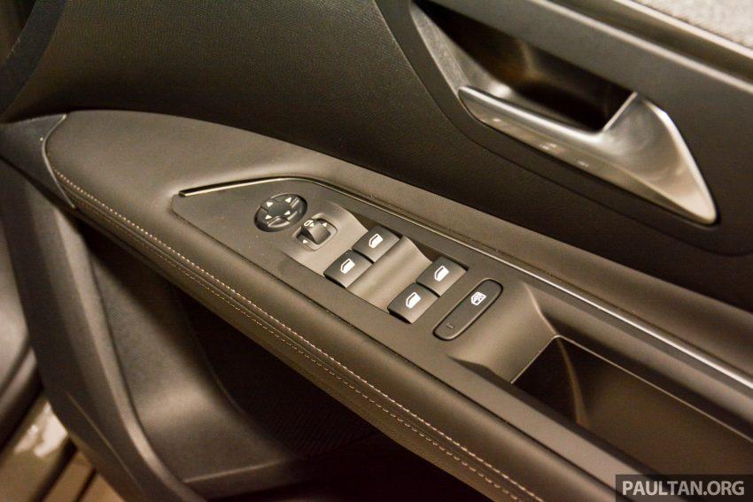欧洲年度风云车, 2017 Peugeot 3008 亮相展销厅, 1.6升涡轮引擎, 165匹马力, 两个等级可选, 售价从RM 143K起。 Image #38852