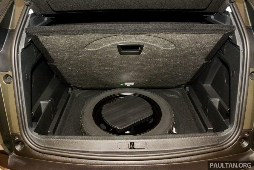 欧洲年度风云车, 2017 Peugeot 3008 亮相展销厅, 1.6升涡轮引擎, 165匹马力, 两个等级可选, 售价从RM 143K起。 Image #38861