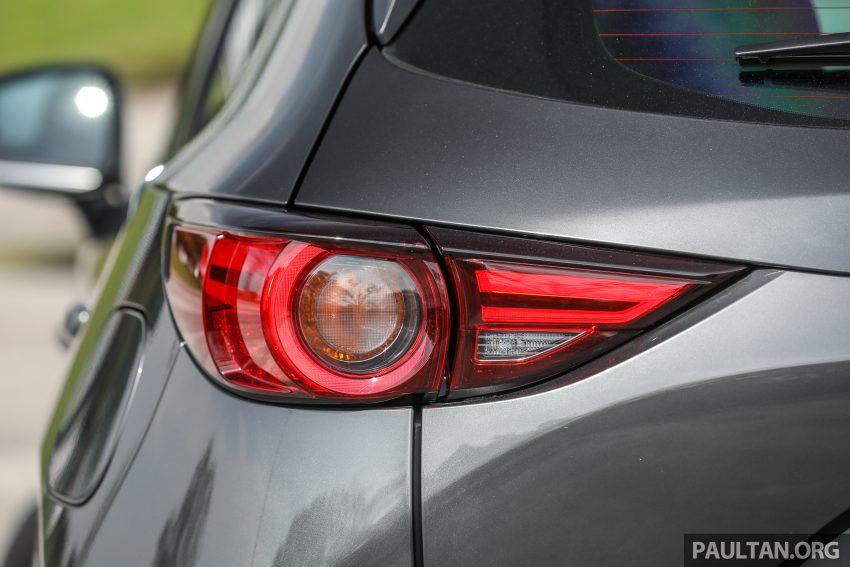 图集:Mazda CX-5 2.0 GL SkyActiv-G 2WD 与 2.2 GLS SkyActiv-D AWD, 两组实车照, 让你对比两个版本的差异。 Image #52445