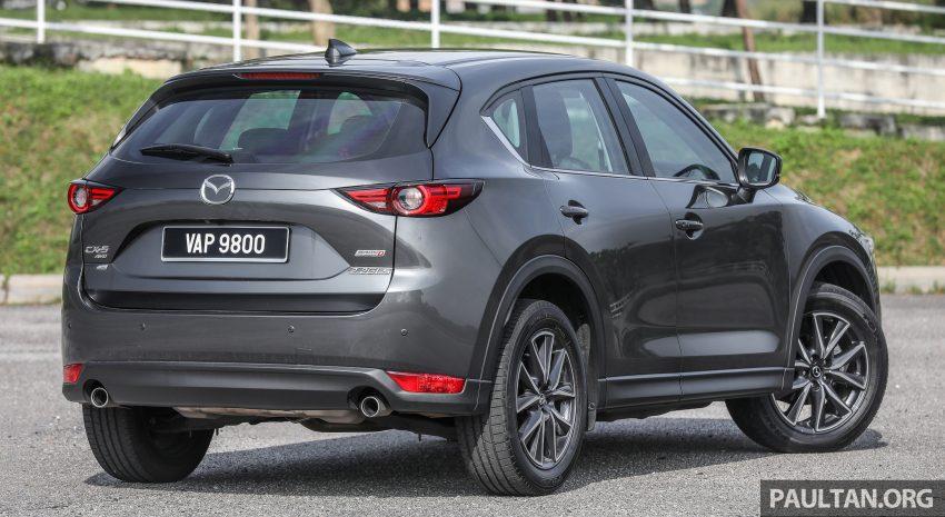 图集:Mazda CX-5 2.0 GL SkyActiv-G 2WD 与 2.2 GLS SkyActiv-D AWD, 两组实车照, 让你对比两个版本的差异。 Image #52427