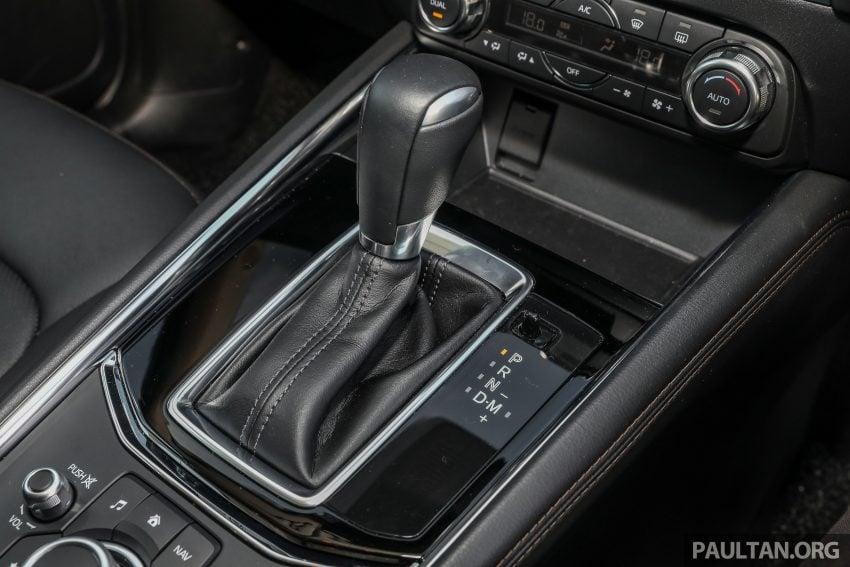 图集:Mazda CX-5 2.0 GL SkyActiv-G 2WD 与 2.2 GLS SkyActiv-D AWD, 两组实车照, 让你对比两个版本的差异。 Image #52464