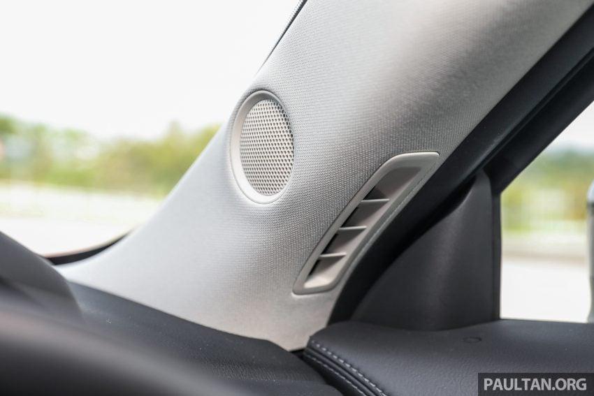 图集:Mazda CX-5 2.0 GL SkyActiv-G 2WD 与 2.2 GLS SkyActiv-D AWD, 两组实车照, 让你对比两个版本的差异。 Image #52471