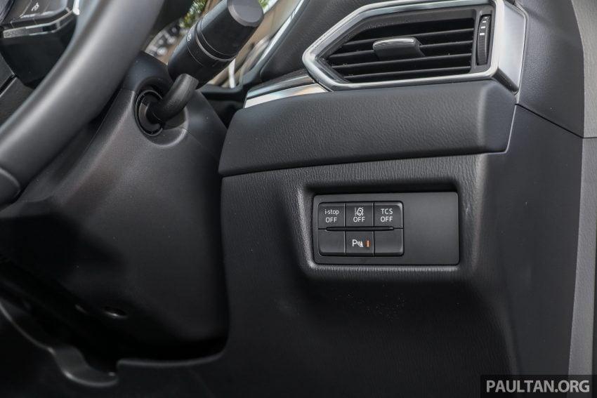 图集:Mazda CX-5 2.0 GL SkyActiv-G 2WD 与 2.2 GLS SkyActiv-D AWD, 两组实车照, 让你对比两个版本的差异。 Image #52472