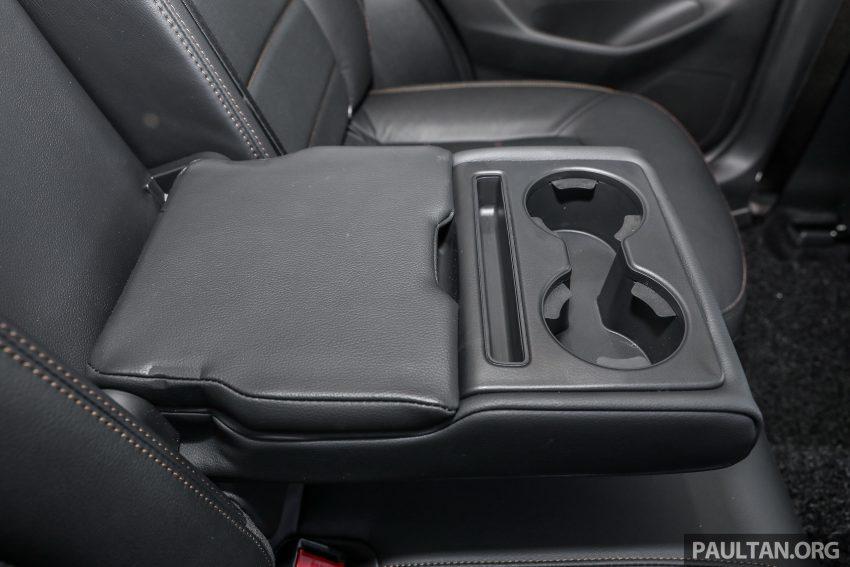 图集:Mazda CX-5 2.0 GL SkyActiv-G 2WD 与 2.2 GLS SkyActiv-D AWD, 两组实车照, 让你对比两个版本的差异。 Image #52485